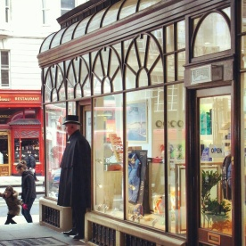 The entrance to a shopping arcade along Piccadilly