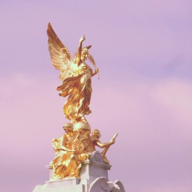 Statue in the centre of the grounds at Buckingham Palace