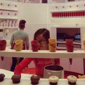 Scooping my ice cream at Sprinkles.