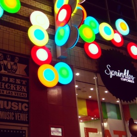 The exterior of the Sprinkles Cupcakes shop.