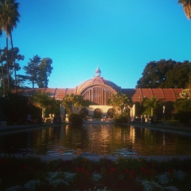 A view of the botanical building from the other side of the pond in Balboa Park.