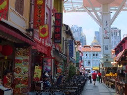Restaurants and street food vendors in Singapore's Chinatown