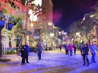 Fake snow on the LINQ Promenade