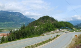 A view of the highway and the mountains.