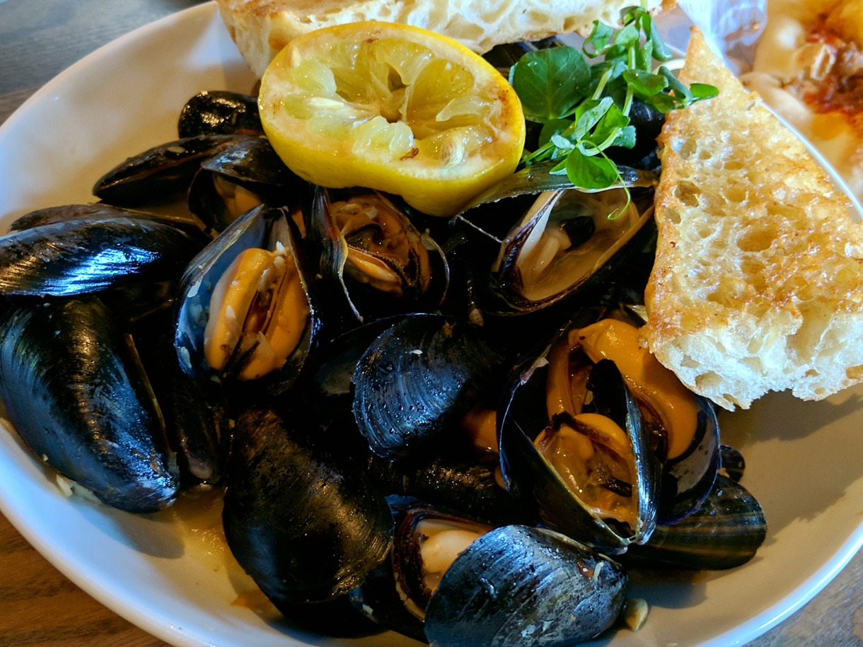 Restaurant Food Specials Today In Dubuque Ia