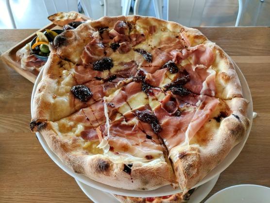 Fig Prosciutto Pizza