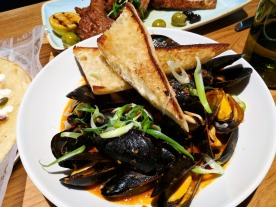 Mussels in Marinara Sauce