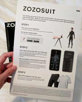 Instructions inside the ZOZOSUIT parcel.